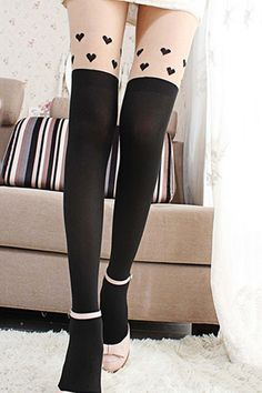 OASAP Heart-Shape Print Tights<br/><div class='zoom-vendor-name'>By <a href=http://www.ustrendy.com/Oasap>Oasap</a></div>