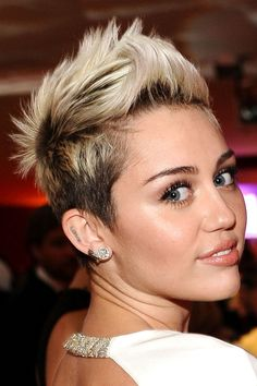 Despite the negative things people say I love miley and think she's beautiful!