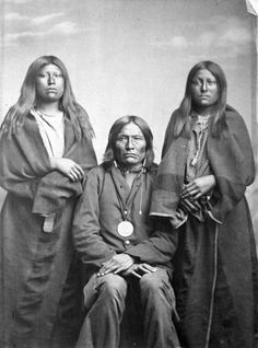 Cekin-paul and his daughters - Kiowa - no date