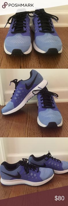Nike Zoom Pegasus Sneaker (7.5) Never worn! These two toned blue Nike Zoom Pegasus Sneaker are super supportive and light weight. They are a size 7.5. Nike Shoes Sneakers