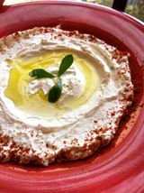 Labneh Kefir Cheese Recipe - Find more Mediterranean recipes at http://www.dedemed.com