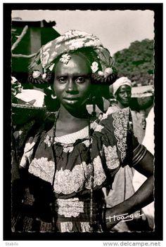 SENEGAL - FEMME OUALOF - EDITEUR HOO-GUI