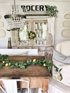 farmhouse lemon decor - dining room lemon decor