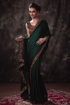 Celebrate this Ramzan 2017 in the most stylish yet comfortable way. Here is a catalog to shop for the best outfits. Trendy Sarees, Stylish Sarees, Fancy Sarees, Indian Bridal Fashion, Indian Wedding Outfits, Pakistani Outfits, Bridal Outfits, Saree Designs Party Wear, Party Wear Sarees