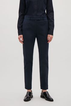 COS image 2 of Cropped tailored trousers in Navy