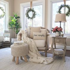 farmhouse home accents Accent Chairs Design Ideas Match With Farmhouse Style Home Decor Accent Chairs For Living Room, New Living Room, Home And Living, Living Room Decor, Modern Living, Comfortable Living Rooms, Interior Exterior, Interior Ideas, Home Fashion