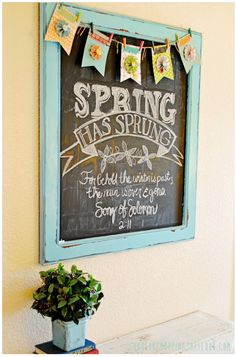 Free Spring Chalkboard Printable & Template~ inspiration for my chalkboard