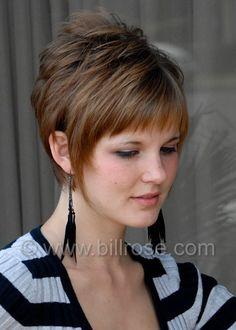 Short flippy hairstyles for women Short Choppy Hair, Funky Short Hair, Short Hairstyles For Thick Hair, Short Hair With Layers, Short Hair Cuts For Women, Long Hair Cuts, Medium Hair Styles, Short Hair Styles, Pelo Pixie
