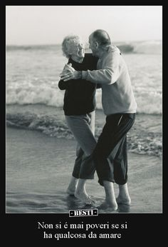Celebrate your love with one another. Here are the best Relationship Goals Pics. These Couple Goals will aspire every couples to be them and enjoy life! Cute Old Couples, Teenage Couples, Cute Couples Goals, Romantic Couples, Couple Goals, Happy Couples, Couples At The Beach, Romantic Ideas, Marriage Pictures