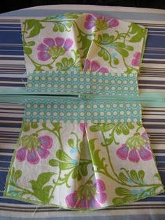 Needle and Spatula: Pleated Pouch Sewing Tutorial - great way to put in a zipper