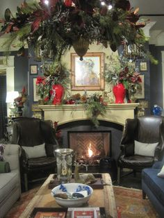Decorated Chaos: Christmas at Nell Hills-The Grand Tour