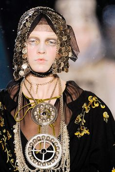 John Galliano | Fall 2009 Ready-to-Wear Collection | Style.com