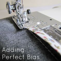 Sewing bias binding. How to be sure you always catch the back. #sewing