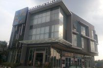 South Tangerang is a growing city with a strategic location that is close to the capital city of Jakarta, Bogor, Depok, Tangerang Regency. ciputat Tangerang city was part of the South building houses with three floors. The shop is close to the business center, close to Jakarta, Depok, Tangerang and