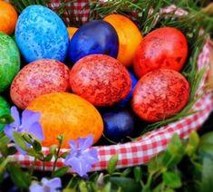 SPIRALE CU SUNCA SI CASCAVAL - Rețete Fel de Fel Easter Eggs, Cake, Food, Kuchen, Essen, Meals, Torte, Cookies, Yemek
