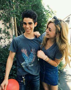 Cameron Boyce y Peyton List Disney Channel Stars, Disney Stars, Emma Ross, Jessie Emma, Peyton List, Peyton Roi, The Descendants, Descendants Characters, Skai Jackson