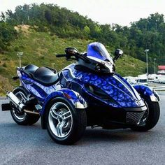 Can am spyder 3 Wheel Motorcycle, Motorcycle Gear, Tricycle, Can Am Spyder, Power Bike, Hot Rides, Lady Biker, Bike Life, Sport Bikes