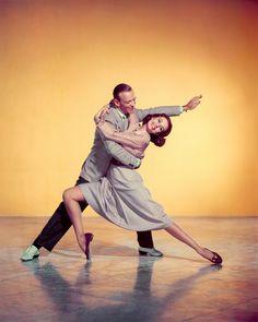"""Silk stockings"" (1957) - Fred Astaire & Cyd Charisse - http://javilomax.blogspot.com/2015/03/movie-shots-iii-102.html 56+Silk+stockings+(1957)+-+Fred+Astaire+&+Cyd+Charisse.jpg (1000×1250)"