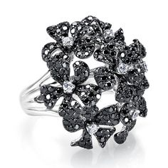Black and White Diamonds Flower Ring in 18kt White Gold