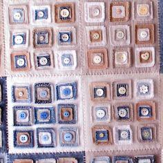 Увядшие джинсовой мозаика с кнопок, tessadeetextiles на Etsy