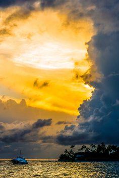 Maldives Sunrise (source) by Mac Qin
