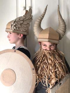 DIY Cardboard Costume Viking Helmet with Horns wings and horns Cardboard Costume, Cardboard Crafts, Paper Crafts, Cardboard Boxes, Diy Paper, Viking Costume Diy, Diy Costumes, Halloween Costumes, Halloween Kostüm