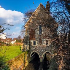 Crossing the #river #Stour in #Canterbury #FransciscanGarden (#Kent)