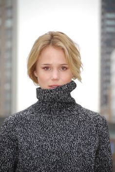 Elin King The blogger looks classic, chic, and overall perfect. Brad Goreski, Elin Kling, Turtleneck Style, Behati Prinsloo, And Just Like That, The Eighth Day, Victorias Secret Models, Style Snaps, Classic Chic