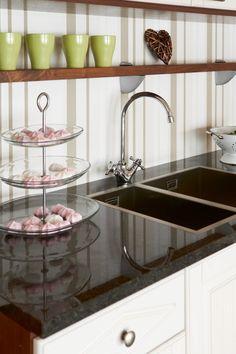 avohylly Sink, Home Decor, Sink Tops, Vessel Sink, Decoration Home, Room Decor, Vanity Basin, Sinks, Home Interior Design