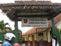 Dulu waktu kuliah sering nongkrong di sini Bogor, Broadway Shows, Outdoor Decor