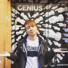 Mikey Chapman Genius Mallory Knox, Make Me Smile, Punk, Music, Instagram Posts, Bands, Therapy, Night, Musica