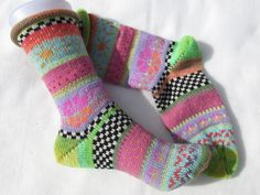 Colorful socks knitted in fair isle patterns wool polyacryl Knitting Socks, Hand Knitting, Knitting Patterns, Knit Socks, Colorful Socks, Colourful Outfits, Outfit Des Tages, Take Off Your Shoes, Lang Yarns