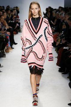 Emilio Pucci Fall 2016 Ready-to-Wear Fashion Show - Natalie Ludwig Style Couture, Couture Fashion, Runway Fashion, Fashion Show, Fashion Design, Emilio Pucci, Conceptual Fashion, Milan Fashion Weeks, Autumn Winter Fashion