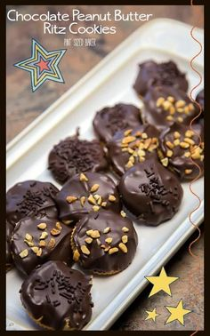 Ritz Peanut Butter Cookies. They are so easy to make that the kids can make them. Perfect for snacks. Great for a salty sweet treat. #nobakecookies #easyrecipe #kidsinthekitchen #cookies Best Cookie Recipes, Best Dessert Recipes, Delicious Recipes, Baking Recipes, Easy Recipes, Tasty, Yummy Treats, Sweet Treats, Peanut Butter No Bake