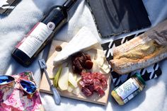 Fall Picnic in the Park | Pizza and Champagne