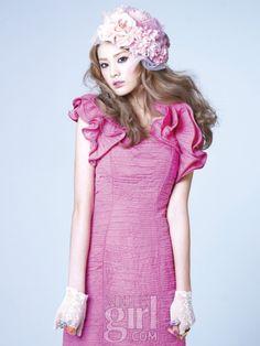 핑크 윙즈와 함께한 걸그룹 스타들 :: Vogue Girl