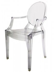 Ghost Chair, or more correctly Ghost Louis Philippe, is a chair designed by Philippe Starck (born considered the best designer in the modern style) for Kartell, and best represents the trend of making plastic chairs, with forms modern. Sillas Louis Ghost, Chaise Haute Bar, Chaise Restaurant, Design Transparent, Ghost Chairs, Cool Chairs, Sofa Chair, Contemporary Furniture, Chairs