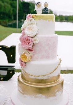 Wedding cake idea; Featured Photographer: Pinky Photography; Featured Cake: A Cake Life