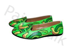 Now buy these stylish hand-painted bellies at a reasonable price from the house Of PAINT WALK. These bellies are highly comfortable to wear with a good quality sole and can be paired up with any of your outfits(perfect casual bellies for girls). The product is 100% original with best quality acryllic paints used to increase the longevity of the product and a coat of varnish is applied to enhance the look and durability.A perfect gift for all occassions(for ladies).