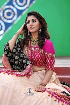 Lehnga Blouse, Choli Blouse Design, Silk Saree Blouse Designs, Fancy Blouse Designs, Bridal Blouse Designs, Bandhani Dress, Choli Designs, Lehenga Designs, Lehenga Choli