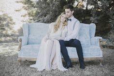 Novia frágil, elegante. Inspiration wedding shooting. Fragil and vintage bride. Colores suaves, azul, luminoso.