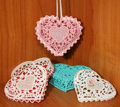 What could be sweeter than this? Just in time for Valentine's Day, you let your embroidery machine whip up some lace that can be transformed into a small ring or trinket box, a sachet, or an …
