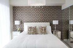 Feminine bedroom design with a brown wallpaper - Home Decorating Trends - Homedit Wallpaper Design For Bedroom, Bedroom Wall Designs, Accent Wall Bedroom, Artistic Wallpaper, Wallpaper Designs, Accent Walls, Wallpaper Ideas, Minimal Bedroom Design, Minimalist Bedroom