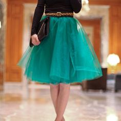 Make yourself a trendy tulle skirt in less than an hour (and for under $25!) #frugal #fashion