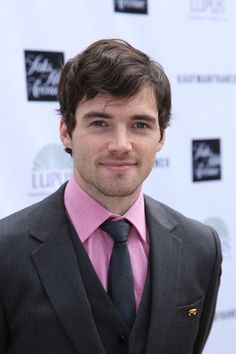 Ian Harding - Ezra