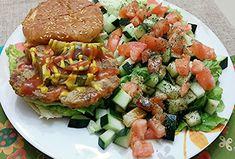 Cena de los martes.... CENA: Hamburguesas magras a la parrilla, en buena cantidad. Tomates, lechuga, apio, aceitunas, repollitos de Bruselas o pepinos. Café/té.
