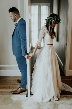 V-neck Two Piece Floor-length Sweep Brush Train Length Sleeve Lace Wedding Dress with Illusion Wedding Picture Poses, Wedding Photography Poses, Wedding Poses, Wedding Photoshoot, Vintage Wedding Photography, Wedding Tips, Wedding Dress Pictures, Wedding Planning, Photography Books