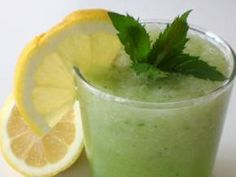 Refreshing Cucumber Smoothie with   Probiotic Bacteria