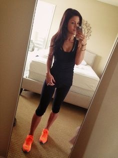Work out style. Love the crops and nikes
