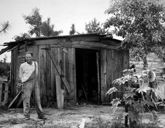 The Great Depression Vintage Photographs, Vintage Photos, Great Depression Photos, 1930s America, Migrant Worker, Dust Bowl, Depression Treatment, Vintage Farm, Black And White Pictures